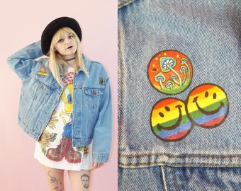 Patched Light Wash 90s Denim Jacket, 90's Grunge, Vintage Jean Jacket, Unisex Size Medium