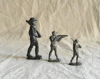Vintage Cast Metal Toy Soldiers