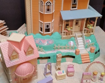 1988 Precious Places Light Up Magic Key Mansion with Accessories