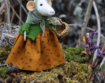 Gatherer Little Mouse- The Forest Collection - Needle Felted Doll Rustles from the Meadow