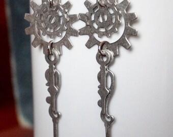 Steampunk Earrings, Steampunk Jewelry, Gear Jewelry, Dangle and Drop Earrings, Gear Earrings, Clock hand earrings, Clock hand Jewelry