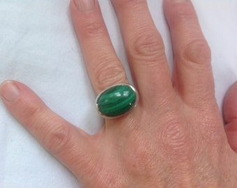 Vintage 1970s Mid Century Modernist Handmade Sterling & Malachite Ring Size 5.5