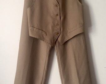 Sand tone women's vintahe vest and pant set