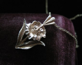 Sterling Flower Necklace Pendant Silver Vintage Charm 925