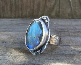 Labradorite ring set in sterling silver freeform stone - labradorite jewelry - statement ring - labradorite stone