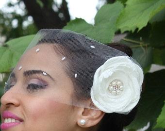 Tulle Birdcage Veil, Vintage Style Short Wedding Veil, Off White Bridal veil