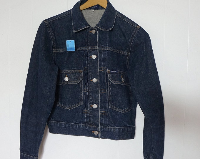 Jean Jacket Guess Jeans MEDIUM 1980s Vintage Dark Wash Indigo Trucker 100% Cotton Cropped Blue Jean Jacket Traditional Cut Made in the USA