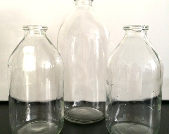 Lot 3 bottles glass vase