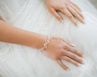 Crystal bridal bracelet, pearl bridal bracelet, wedding bracelet, silver crystal bracelet, prom jewelry, hand jewelry, silver bracelet