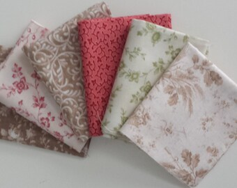 Country Calico Fat Quarter Collection of Quilting Fabric, cotton