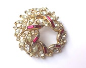 Vintage CROWN TRIFARI Rhinestone Brooch, Gold-Tone Ruby Red and Clear, Circle Brooch, 1960s Estate, Mother of the Bride Prom Heirloom