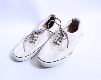 Preppy White 90s Sneakers