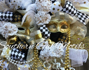 XL Mardi Gras Wreath Mardi Gras Wreaths Venetian Mardi Gras Mask Wreath New Orleans Mardi Gras Mardi Gras Decor Mardi Gras Mesh Wreath
