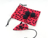 Catnip mouse, crochetted balls, pawprint bag, cat toy set, kitten gift bag, red black