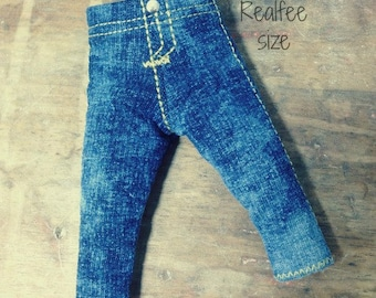 REALFEE distressed JEANS:  stretch distressed denim jeggings fitting Fairyland Realfee