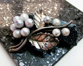 Ming's of Honolulu Pearls & Sterling Pin/ Brooch 1930s Gray/Blue to White S. Sea Tahitian Pearls, Signed, Hallmarked.
