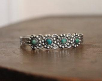 Vintage Fred Harvey era 4 green turquoise stone hand stamped sterling silver bracelet