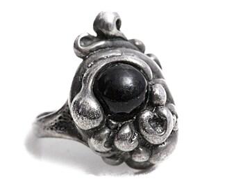 Onyx Art Nouveau Ring Antique Silver