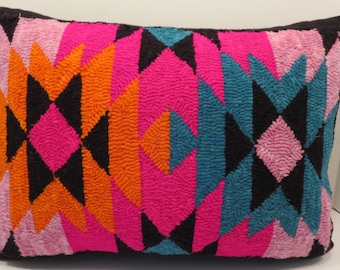 "Hand hooked aztec design pillow 15"" x 20"""