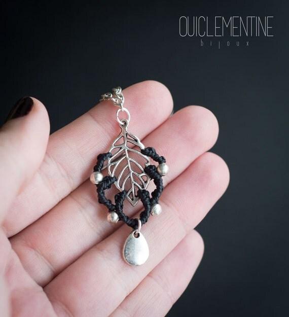 Black leaf pendant