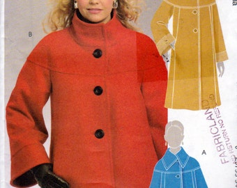 McCalls 5718, Misses Size 18W to 24W Lined Jacket and Coat Pattern, Loose Fit Lined Jacket with Turn Down Collar, Raglan Like Sleeves, Yoke