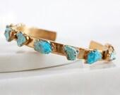 turquoise bracelet / turquoise jewelry / raw turquoise cuff / turquoise nugget / december birthstone / turquoise bangle /teal stone bracelet
