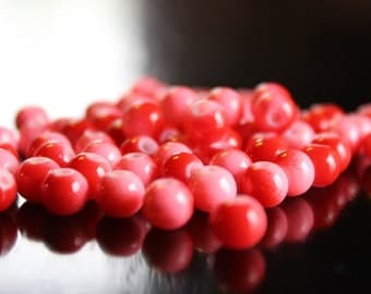 70 round, red and pink, bubblegum glass beads, baking painted, 6mm, hole 0.5mm