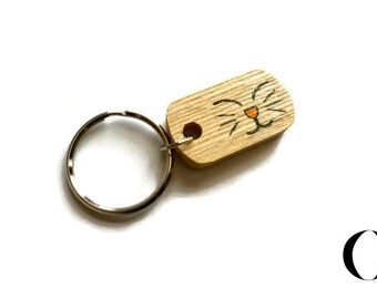 Cat face wood keychain, natural cherrywood, custom made key ring
