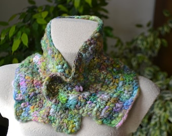 "Collar snood wool handspun ""In April..."" with its glass Lampwork fibula"