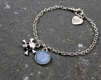 Skull Bracelet, layering bracelet, minimalist bracelet, tiny skull bracelet, skull jewelry glitter jewelry Pisces Libra Aquarius Sagittarius