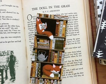 bookshelf fox bookmark