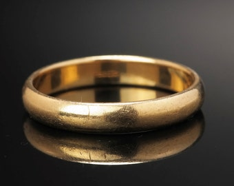3 mm Wedding band 14k Yellow Gold Size 7