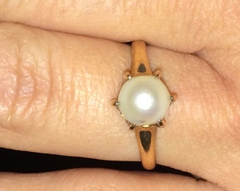 VINTAGE 14K Yellow Gold Pearl Solitaire Ring Size 6.25
