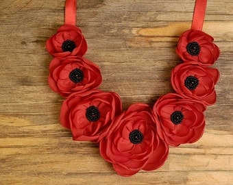Red poppie necklace, flower jewelry, flower necklace, red poppies pendant, red flower necklace, textile flower necklace, red poppies pendant