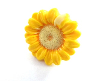 Vintage Ring Vintage Flower Ring Size 7 Yellow Sunflower Ring Daisy Yellow Ring 1.25 inch Diameter Large Flower Ring