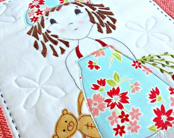 Mini quilt pattern - 'A Pocketful of Posies'