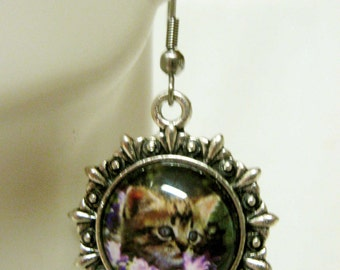 Kitten with purple flowers earrings - CAP03-004