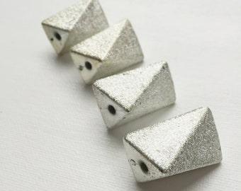 Vintage Retro Geometric Silver Glitter Mod Psychedelic Era Party Bead - PA1114