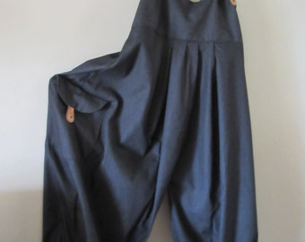 Lagenlook ,oversized Balloon shaped  dungarees .overalls in Black denim ! Quirky real leather braces.large pocket,size UK 12/14 or US 10/12