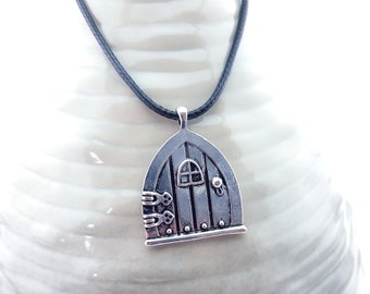 Fairy Door Necklace - Fairy Door jewelry - Fairy necklace - Fairy jewelry - Fairy doors - handmade necklace - handmade jewelry - Fairies