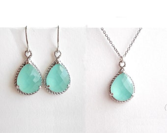 Mint Crystal Jewellery Set - Silver Necklace & Dangle Earrings - Mint Green Bridesmaids Jewellery - Wedding Maid of Honour Gift Set