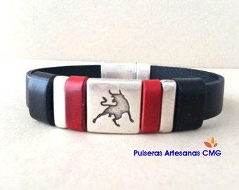 Legitimizes leather bracelet with Toro / pieces of silver zamak