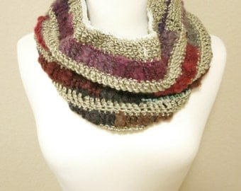 Cozy Textured Crochet Cowl