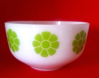 Federal Daisy Bowl in Green, Mod Flowers