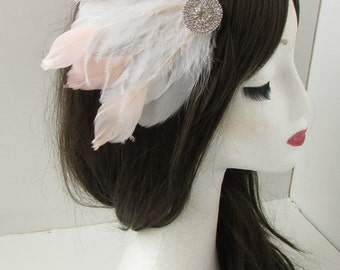 White Blush Pink Silver Feather Fascinator Hair Clip Races Bridal Vintage B05