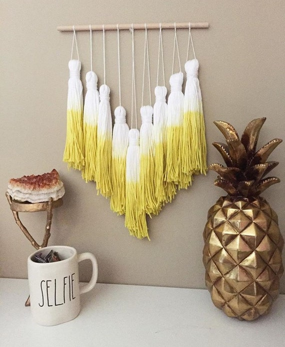 tassel mobile yarn tassel garland dip dye tassels dip dye. Black Bedroom Furniture Sets. Home Design Ideas