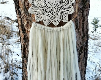 Rosabelle Dreamcatcher/Natural/Vintage/Doily/Wool Yarn/Roving/Textile/Boho/Hippie/Gift/Gypsy/Baby/Nursery/Wall Hanging/Decor/Home/Wedding