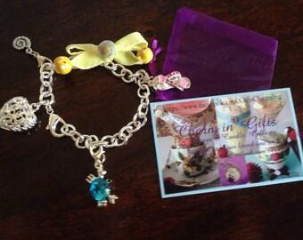 Seaside charm bracelet, holiday charm bracelet,  beach theme gift, shell jewelry, birthday gift, teenagers gift, gift for women, friend gift