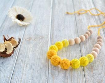 Yellow nursing necklace for mom/ Breastfeeding necklace - Teething necklace - Nursing Jewelry