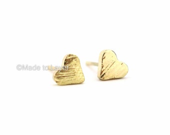 Heart Dainty Stud Earrings Tiny Cute Minimalistic Jewelry Bridemaids Gift Idea Birthday Gift Everyday Earrings Small Stud Textured FWFAAP